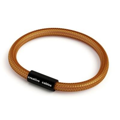Náramek s matnou černou magnetickou sponou a kabelem RM22 - whisky