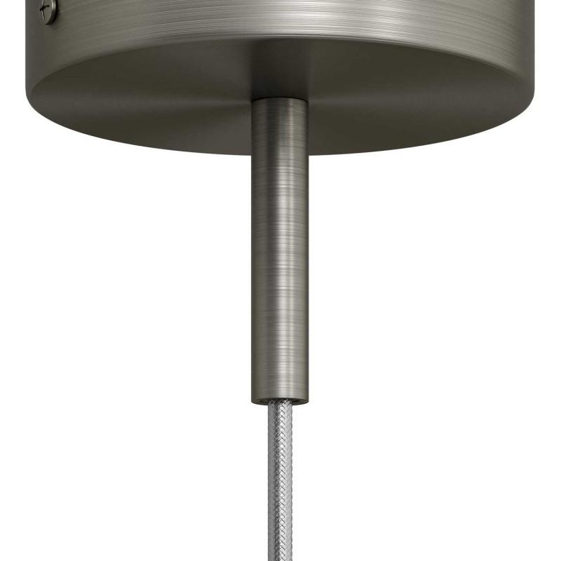 Matná chromovaná válcová kovová kabelová průchodka 7cm vysoká se závitovou tyčkou, maticí a podložkou.