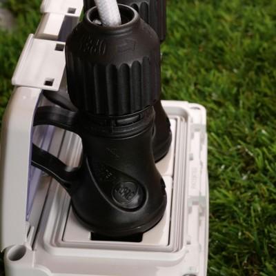 Černá Schuko zástrčka s prstencem 16A 250V IP44 pro systém EIVA